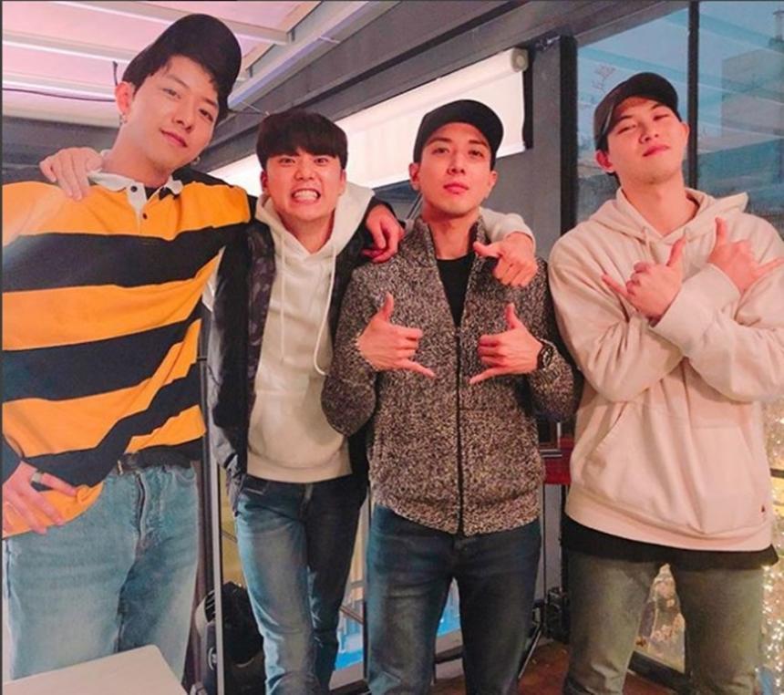 씨엔블루(CNBLUE) 이정신-강민혁-정용화-이종현 / 이종현 인스타그램