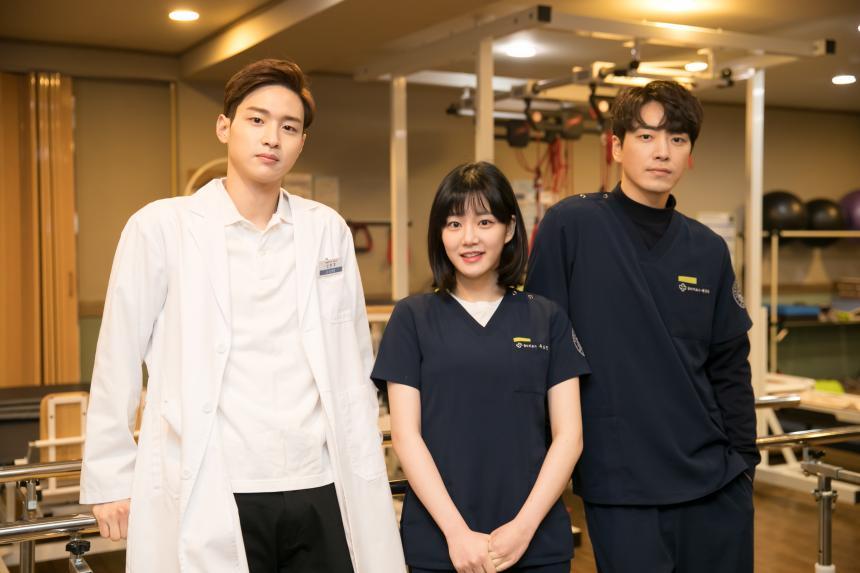 장동윤-이유비-이준혁 / tvN '시그대' 제공