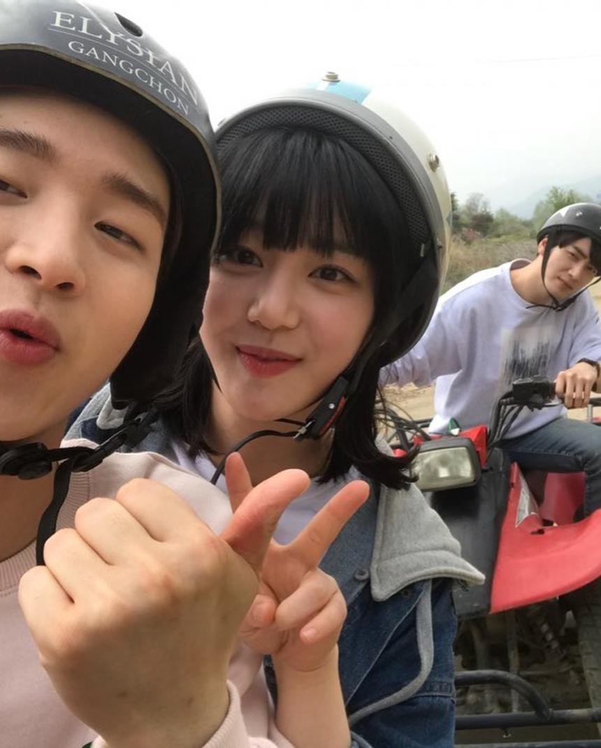 장동윤X이유비X이준혁 / 이유비 SNS