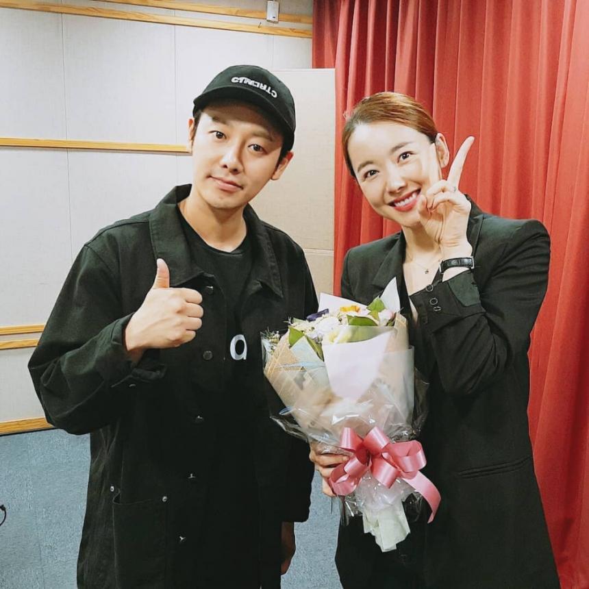 SBS 러브FM '집으로 가는 길 소이현입니다' 공식 인스타그램