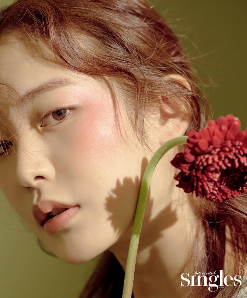 정유진 / 싱글즈 12월호