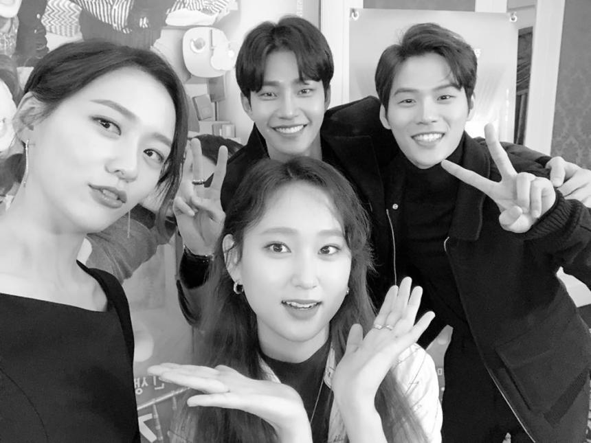 박지현-류혜영-김재영-윤지온 / 윤지온 인스타그램