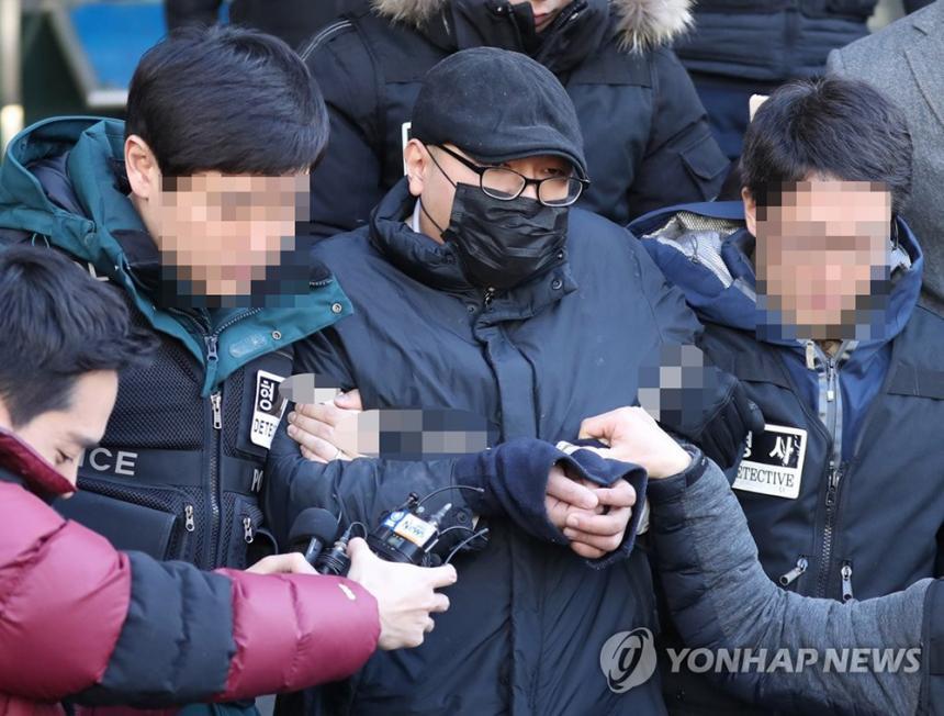 병원에서 진료받던 의사 살해한 박모씨 / 연합뉴스