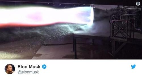 머스크가 공개한 유인우주선 엔진 테스트 장면 / 일론 머스크 트위터
