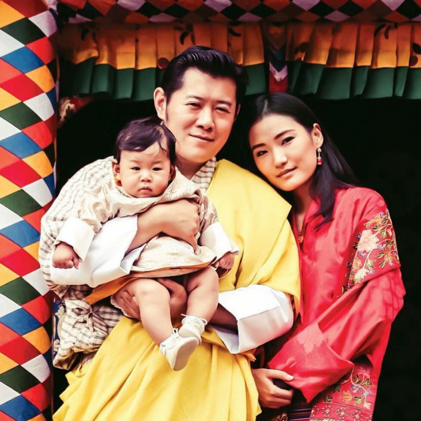 지그메 케사르 남게일 왕축-지선 페마 / 지선 페마 인스타그램
