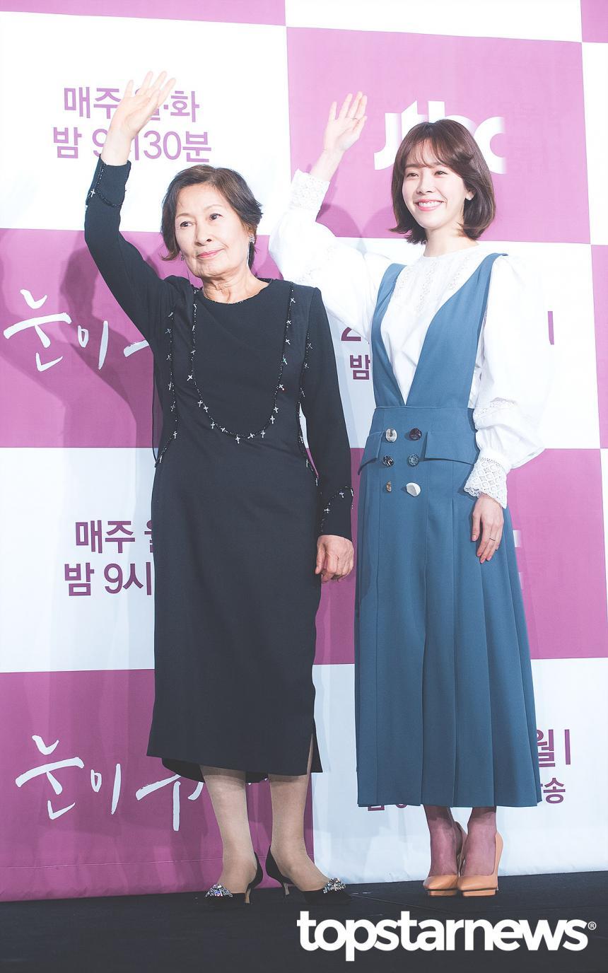 김혜자-한지민 / 톱스타뉴스 HD포토뱅크
