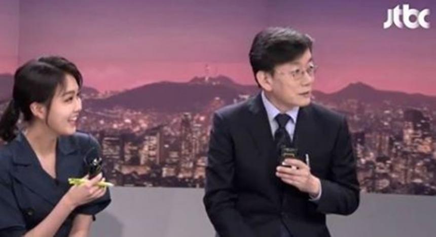 손석희-안나경 / JTBC 캡처