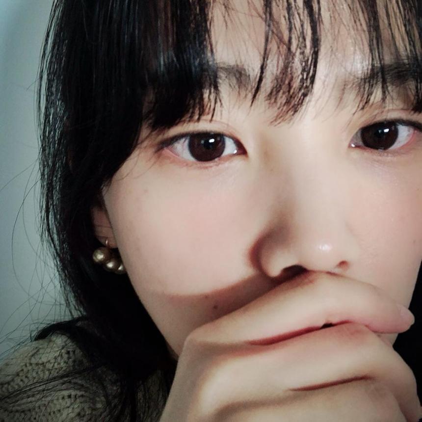 영화 '살인의뢰' 윤승아, 빛나는 미모 과시…'줄거리와 평점은?'