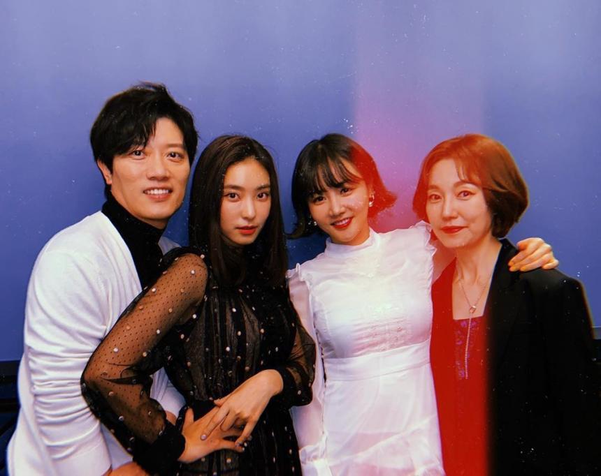 박희순-윤보라-황우슬혜-진경 / 보라 SNS