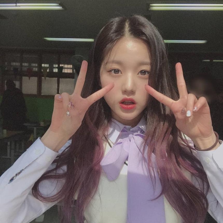 장원영 / 아이즈원 공식 인스타그램