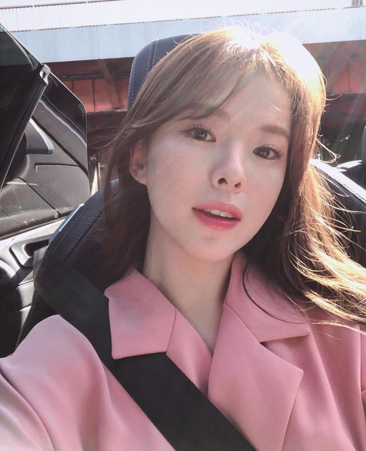 '외모지상주의' 실제 모델 하늘, 봄보다 화사한 미모 드러낸 일상…'걸그룹 방불하게 하는 비주얼'