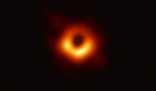 세계 과학사 최초로 실제 관측된 'M87' 중심부에 있는 블랙홀 [EHT협력단 제공]
