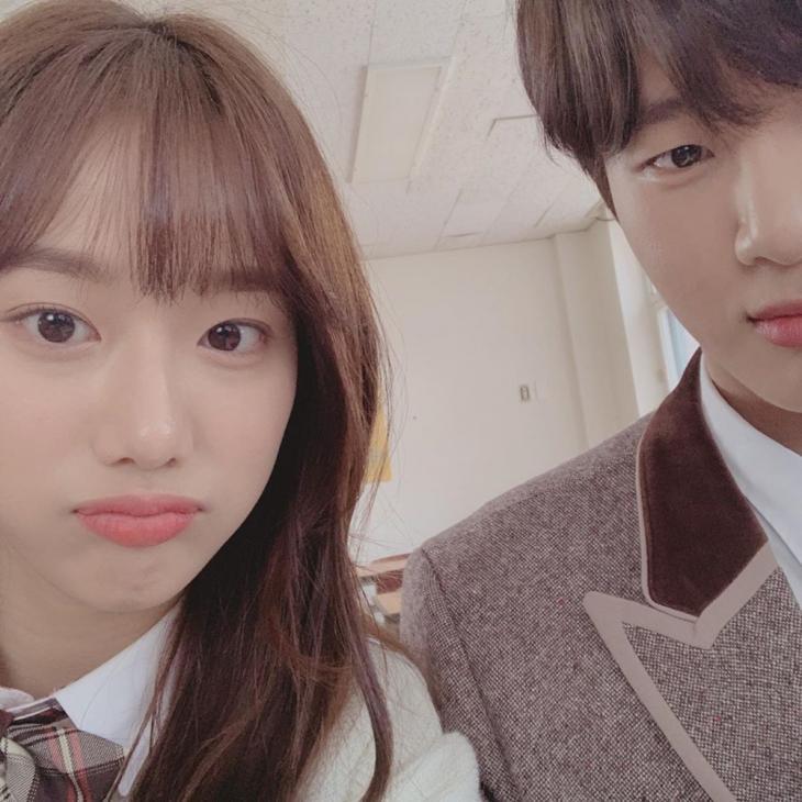 이나은-김동희 / 플레이리스트 인스타그램