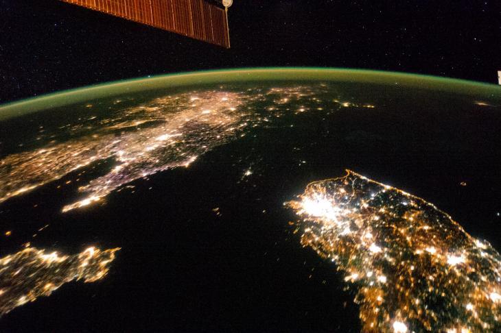 2015년 1월 30일 밤 국제우주정거장(ISS)에서 한반도와 주변 지역을 촬영한 사진 / 연합뉴스