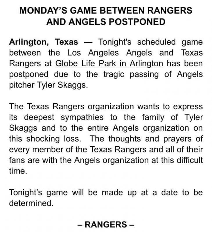 투수 타일러 스캑스 사망으로 텍사스와의 경기는 취소됐다.