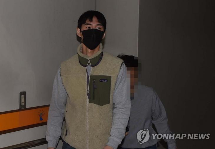 잇포유 판매 식품과 관련해 허위과장광고를 한 혐의로 징역 6개월 구형을 받은 유튜버 밴쯔(본명 정만수·29) / 연합뉴스