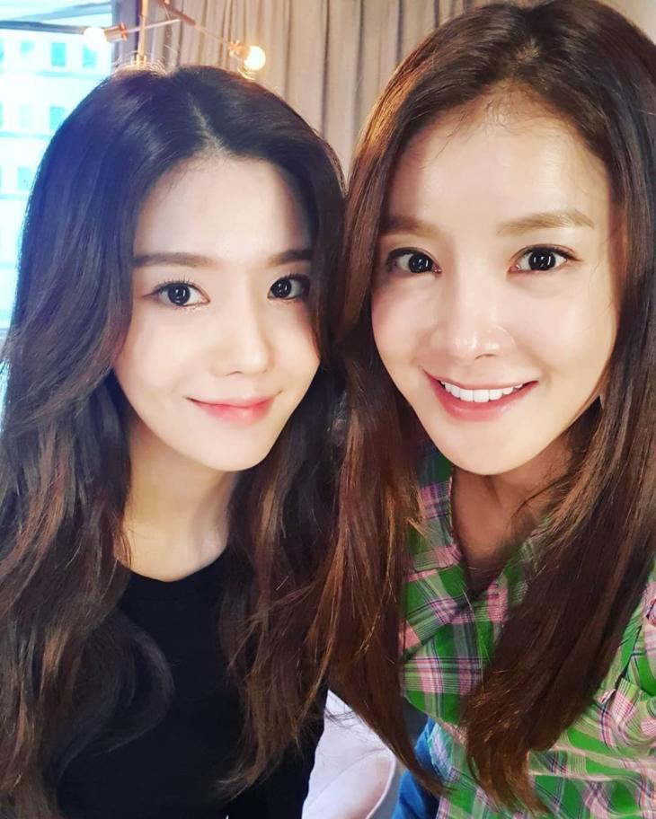 아이즈원 권은비-이시영 / 이시영 인스타그램