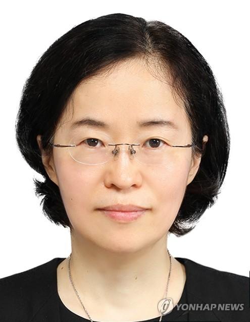문재인 대통령이 9일 개각을 단행했다. 공정거래위원장에 내정된 조성욱 서울대 교수 / 연합뉴스