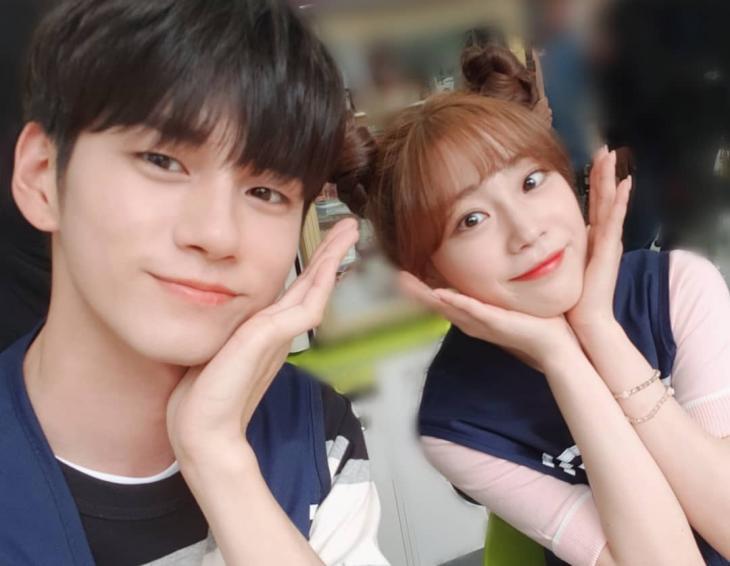 '열여덟의 순간' 허영지, 옹성우와 커플 같은 훈훈한 셀카 | 인스티즈