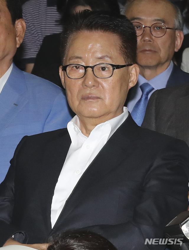 민주평화당 탈당을 선언한 비당권파인 '변화와 희망의 대안정치연대'(이하 대안정치) 박지원 의원 / 뉴시스