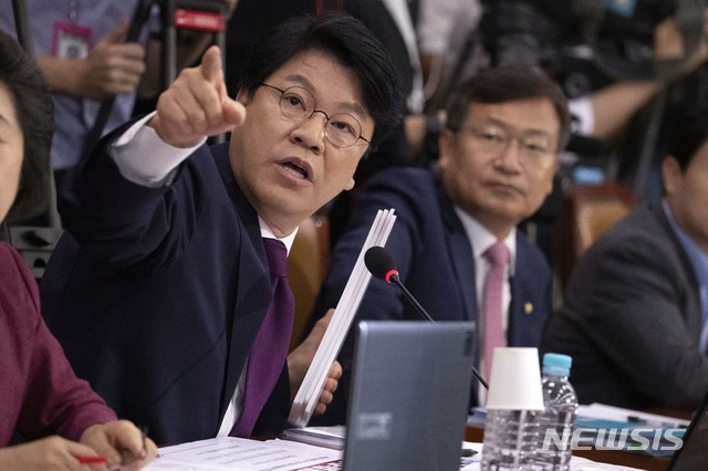 조국 후보자 인사청문회에 참석한 장제원 자유한국당 의원 2019.09.06. / 뉴시스