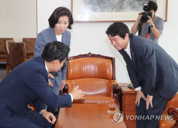 회동하는 이인영-나경원-오신환