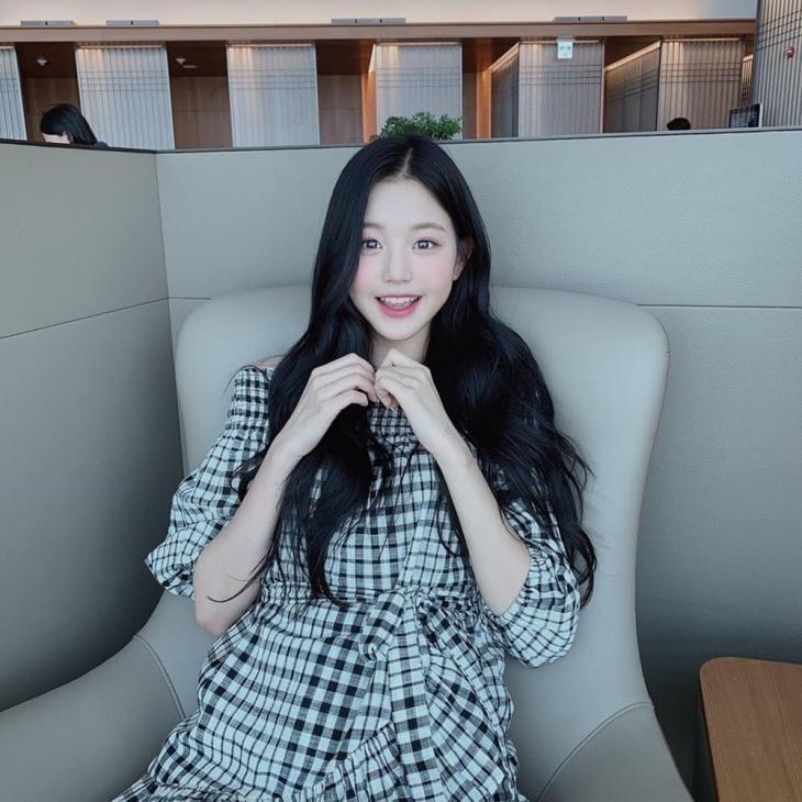 아이즈원(IZONE) 장원영, 인스타 속 귀여운 미소 '눈길'...'3집 발매는 언제쯤?' | 인스티즈