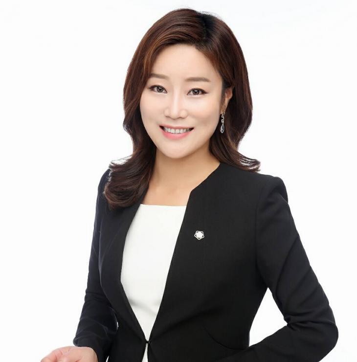 신유진 변호사 / 페이스북