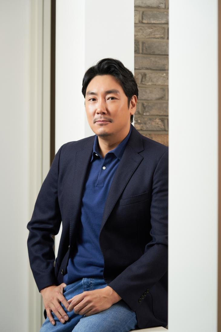 조진웅 / 쇼박스