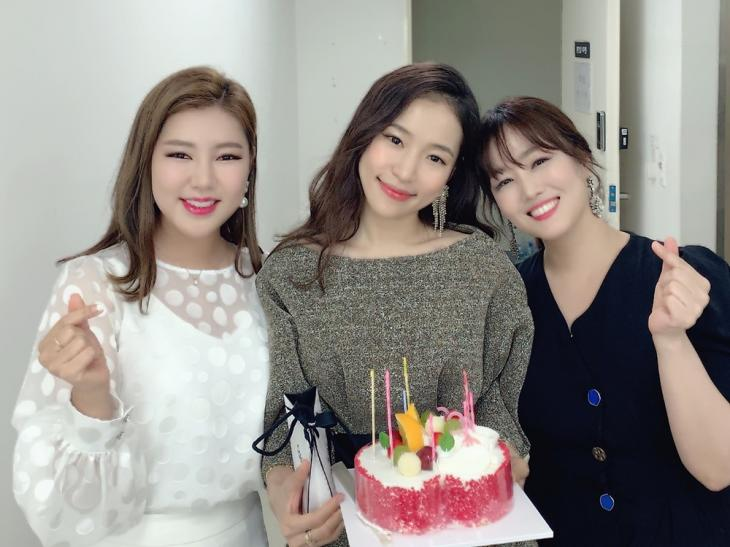 송가인-홍자-정미애 / 포켓돌스튜디오 공식 포스트