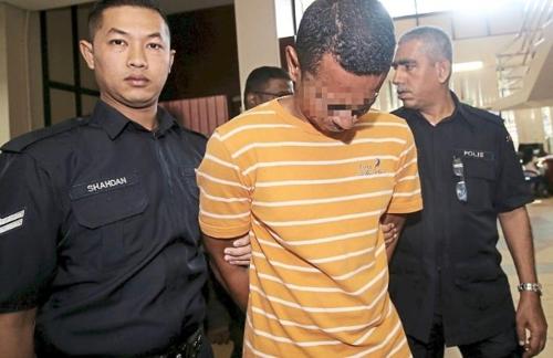 말레이 법원, 의붓딸 성폭행범 징역 202년과 회초리질 [더스타]