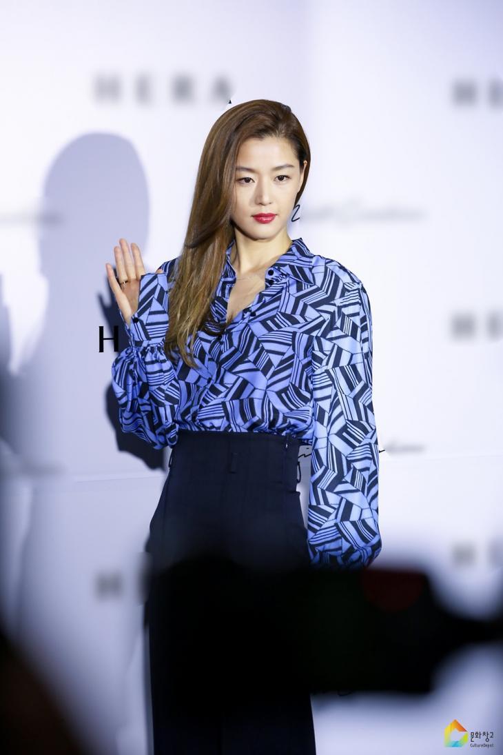 전지현 / 소속사 문화창고 포스트