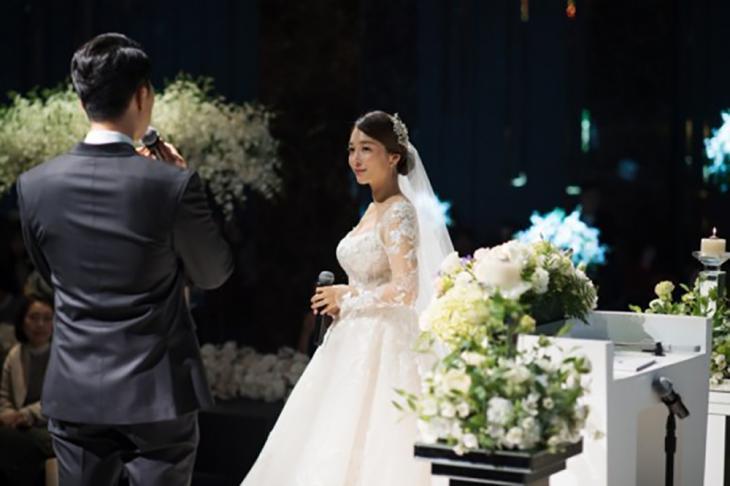 이상미 나이 4세 연하 남편과 결혼식 사진 / 더블브이엔터테인먼트