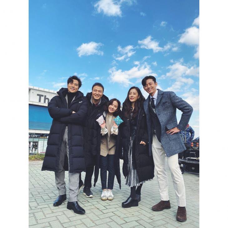 KBS2 '99억의 여자' 출연진 / 조여정 인스타그램
