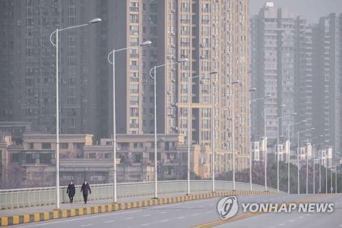 인적 끊긴 중국 우한 시내 [AP=연합뉴스]