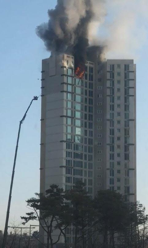 인천 청라동 아파트 화재 / 인천소방본부 제공