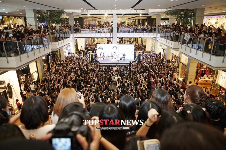 JYJ 태국기자회견장 / 씨제스엔터