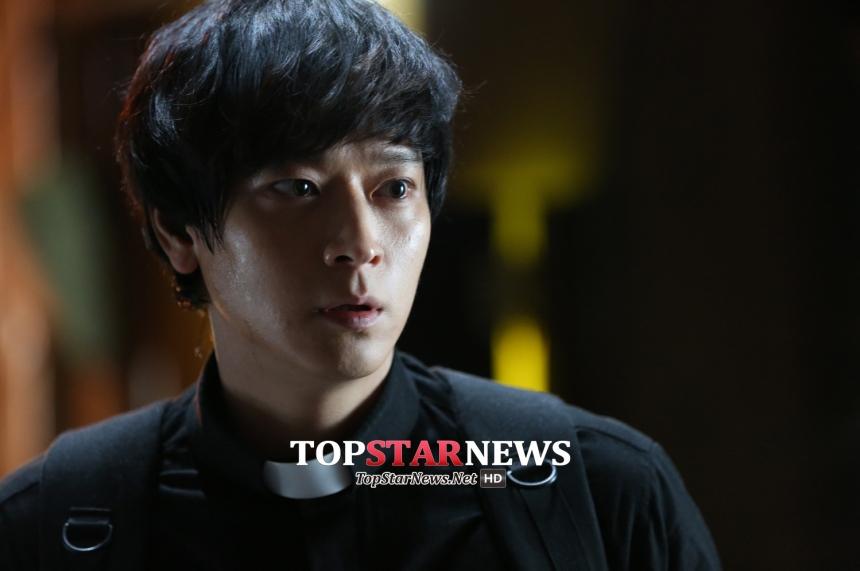 '검은 사제들' 주요 장면 / 오퍼스픽쳐스-CJ엔터테인먼트